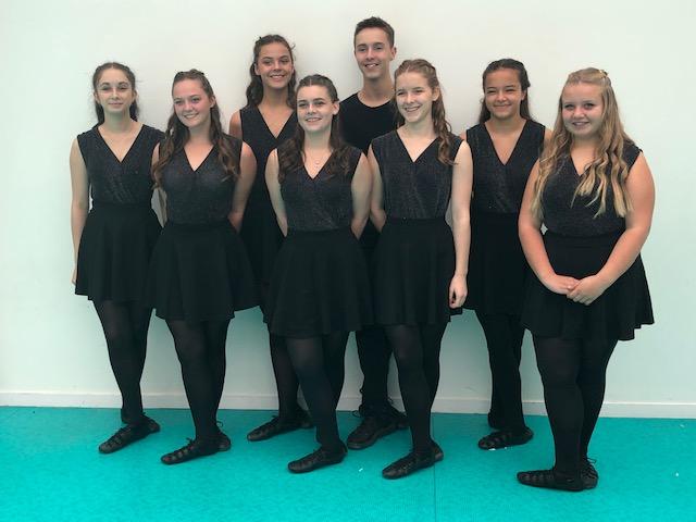 Groupe de danseurs et danseuses français 2 © Folk en Pagaille